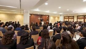 В часовне новой саентологической идеальной организации для прихожан и гостей проводятся воскресные службы, церемонии венчания, наречения и другие собрания.