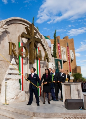 Г-н Дэвид Мицкевич провёл церемонию открытия новой Саентологической церкви Рима, в которой приняли участие её исполнительный директор и высокопоставленные лица; это стало самым большим расширением Саентологии в Италии за 30 лет.